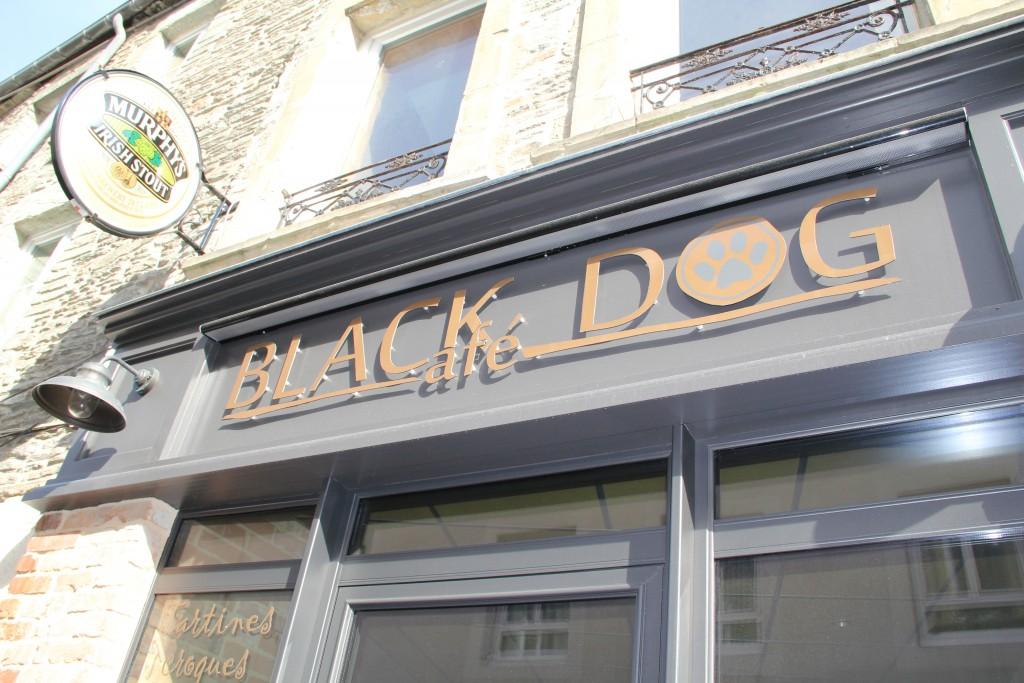 Black Dog Café